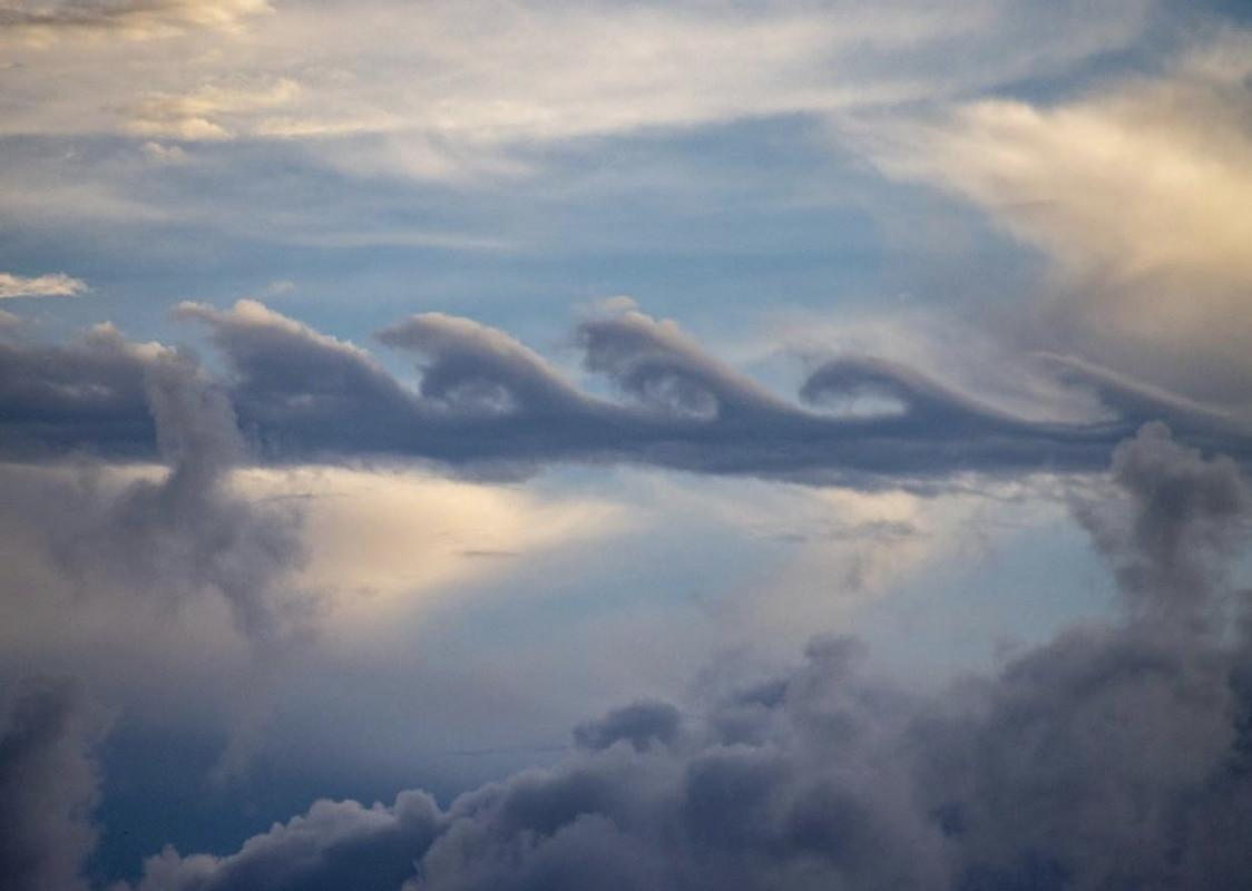 Kelvin-Hemholts wave clouds